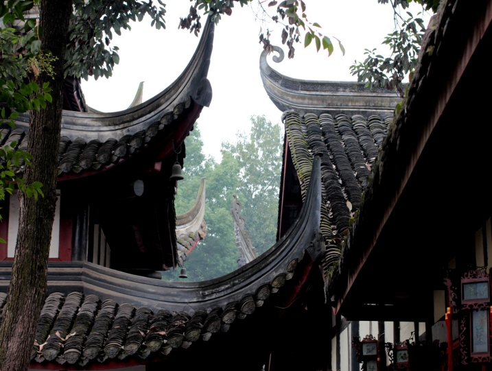 Wonky roofs in the Wushu Temple, Chengdu